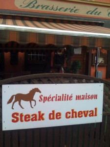 Specialite maison: Steak de cheval